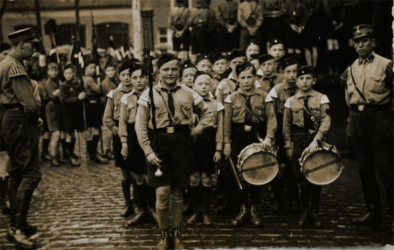 Lüneburg, Hitler Youth 1933 – EBook Margaret A. McQuillan: An Orange in Winter / The Beginning of the Holocaust as Seen through the Eyes of a Child